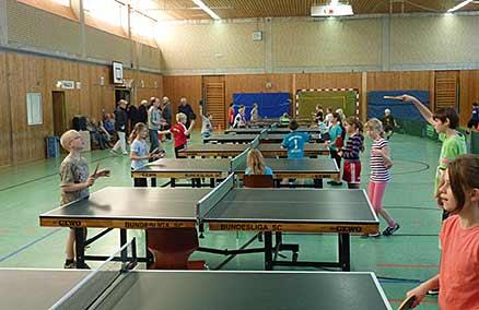 Tischtennis-Mini-WM an der Grundschule Edendorf Itzehoe